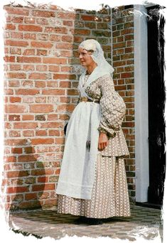 Weddingdress, Dutch costume from Groningen, around 1840 Art Costume, Folk Costume, Costumes, Historical Costume, Historical Clothing, Traditional Dresses, Beautiful People, Culture, How To Wear