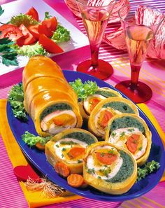 Amazing Food Decoration, Appetizer Recipes, Appetizers, Romanian Food, Fresh Rolls, Sweets, Diet, Cooking, Ethnic Recipes