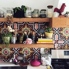 54 Classy Bohemian Style Kitchen Design Ideas - Bohemian Home Kitchen Bohemian Kitchen Decor, Retro Home Decor, Bohemian Decor, Bohemian Lighting, Rustic Kitchen, Vintage Kitchen, Bohemian Interior Design, Interior Design Kitchen, Interior Livingroom