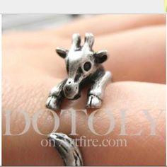 Adorable giraffe ring