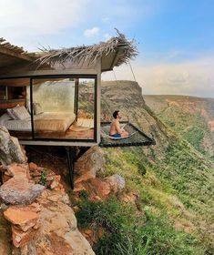 """The view from this hotel room in Colombia with a suspended """"balcony"""" is . - The view from this hotel room in Colombia with a suspended """"balcony"""" is unreal – – # suspended - Casas Containers, Tree House Designs, Architecture Design, Facade Design, Architecture Fails, Architecture Definition, Security Architecture, Computer Architecture, China Architecture"""
