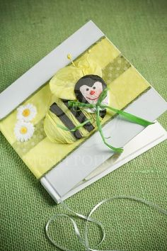 Smiling bee guest book Books For Boys, Christening, Boy Or Girl, Bee, Gift Wrapping, Gifts, Gift Wrapping Paper, Presents, Wrapping Gifts