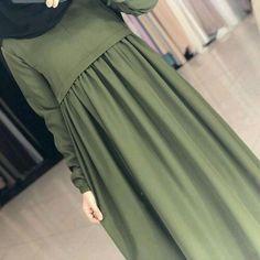 Site Hair And Beauty Modern Hijab Fashion, Abaya Fashion, Muslim Fashion, Fashion Dresses, Hijab Style Dress, Hijab Chic, Hijab Outfit, Abaya Mode, Mode Hijab