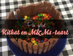 De eerste pin die ik getest heb is die van de Kitkat en M&Ms-taart. Een lekkere chocoladetaart, met een rand van Kitkats en een zee van M&Ms. #pinnersonthegogo van: www.mizflurry.nl