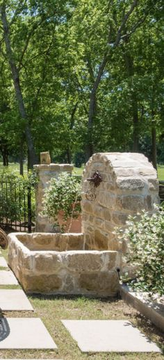 Garden design ideas water features ponds 46 ideas - All For Garden Stone Fountains, Garden Fountains, Water Features In The Garden, Garden Features, Garden Lighting Wedding, Front Porch Landscape, Jardin Decor, Garden Waterfall, Water Garden