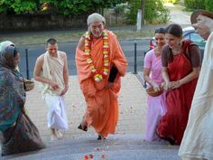 By Bhaktividya Purna Swami  The concept is that everybody according to their varna has a particular way in which they work best and feel the most comfortable. But as there is anything, because when…