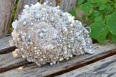 Rich pearl cascading brooch bouquet deposit on a by Noaki on Etsy