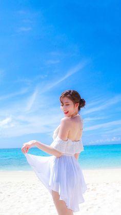 Twice Sana Summer Nights Kpop Girl Groups, Korean Girl Groups, Kpop Girls, Cute Korean Girl, South Korean Girls, Poses, Sana Kpop, Cute Girls, Cool Girl