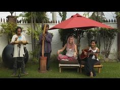 Joss Stone in Timor-Leste doing a collaboration with Edson.#JSTWT - YouTube