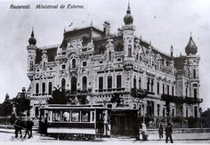 Sturdza Palace, interwar Bucharest Old Pictures, Old Photos, Romania Facts, Bucharest Romania, Architecture Old, Old Buildings, Old Town, Barcelona Cathedral, Tourism