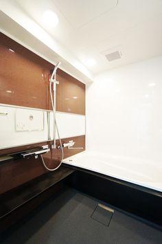 お風呂 Japanese Bathroom, Bathtub, Bath Room, Interior Design, Architecture, Bathroom Ideas, House Ideas, Design Ideas, Home Decor