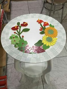 best ideas for garden art diy ideas glass flowers Table Mosaic, Mosaic Tray, Mosaic Tile Art, Mosaic Artwork, Mosaic Glass, Mosaic Art Projects, Mosaic Crafts, Stained Glass Projects, Mosaic Designs