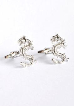 Silver Cufflinks! Get lucky in everything you do! #splicecufflinks #cufflink #cufflinks #mensfashion #men #mensaccessories #menstyle #style #singapore #england #fashion #fleamarket #unique #standout #groomsmencuffs #groomsmencufflinks #lucky #dragon #chinesedragon #china #chinese #fortunate #luck http://www.splicecufflinks.com