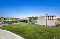3000 BENEDICT CANYON DRIVE, BEVERLY HILLS, CA 90210 — Real Estate California
