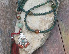 Mala collar de piedras preciosas turquesa por look4treasures