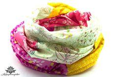Loopschal Loop pink weiß mit Blumenmuster von #Lieblingsmanufaktur: Holt Dir den Sommer zurück ;)