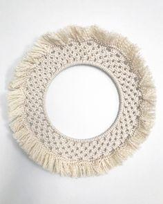 Le chouchou de ma boutique https://www.etsy.com/fr/listing/528411164/rosace-en-macrame-macrame-wall-hanging