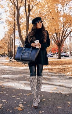 40 Cool Outfit Ideas To Rock This Winter - Rome Outfits, Outfits With Hats, Winter Fashion Casual, Autumn Fashion, Best Casual Outfits, Fall Outfits, Skirt Outfits, Outfit Invierno, Winter Looks