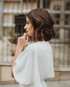30 images about hair on we heart it see more about hair, hai Messy Hairstyles, Pretty Hairstyles, Hair Inspo, Hair Inspiration, Belle Hairstyle, Pelo Bob, Medium Hair Cuts, About Hair, Hair Dos