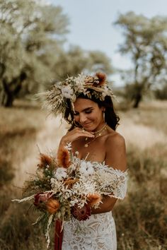 Plenty of venue inspiration. No need to have your wedding on a slave farm. Get Inspired to Ditch Tradition with This Free-Spirited Lisbon Elopement Inspiration Bohemian Wedding Inspiration, Bohemian Bride, Bohemian Wedding Dresses, Elopement Inspiration, Bohemian Weddings, Vintage Weddings, Wedding Looks, Bridal Looks, Bridal Style