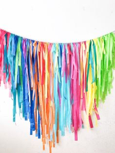 theme Tablecloth Fringe Backdrop Flagtape Back - Streamer Wall, Party Streamers, Streamer Ideas, Party Garland, Fiesta Theme Party, Art Themed Party, Taco Party, 1990s Party Theme, Theme Parties