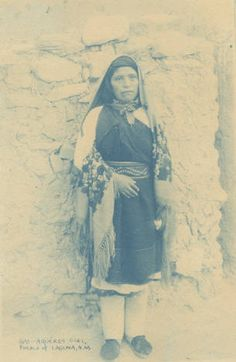 Aqueres girl, Laguna Pueblo, New Mexico :: Palace of the Governors Photo Archives Collection