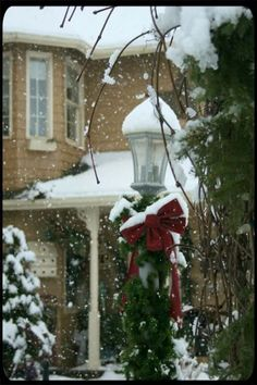 The only time I love the snow is on Christmas Eve & Christmas Day, while we're home for the holidays.