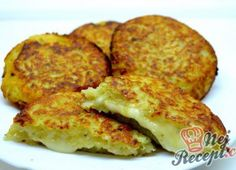 Potato pancakes stuffed with Camembert Czech Recipes, Russian Recipes, Vegetarian Breakfast Recipes Easy, Healthy Recipes, Potato Pancakes, Pancake Muffins, Party Finger Foods, Special Recipes, Food To Make