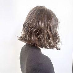 Super hair tips curling makeup 22 Ideas Curly Hair Tips, Curly Hair Styles, Digital Perm Short Hair, Middle Hair, Hair Arrange, Girl Haircuts, Super Hair, Girl Short Hair, Curly Bob Hairstyles