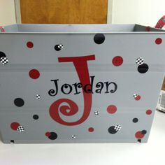 Plastic Large bin from Walmart made a great gift for a high school senior gift on her way to College. Vinyl Crafts, Vinyl Projects, Cute Gifts, Diy Gifts, Dance Team Gifts, Senior Night Gifts, Graduation Gifts, Graduation 2015, Soccer Gifts