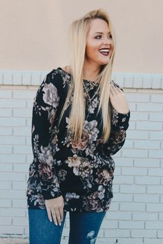 2b3be0d74c1 Black Floral Print Top with Side Pockets