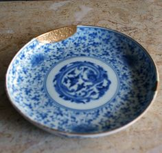 Kintsugi, Wabi Sabi, Asian Dinnerware, Cerámica Ideas, Ramadan Decorations, China Art, Japanese Ceramics, Plates And Bowls, Tea Ceremony