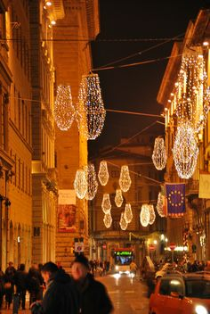 DSC 0048 Christmas in Florence Christmas In Italy, Christmas Tale, Christmas Lights, Christmas Holidays, Xmas, Malta, Tree Shapes, Italy Travel, Italy Trip