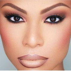 Love this Naturally beat to death look done by makeup artist Renny Vasquez