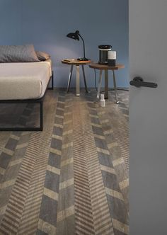 New Line Boden- und Wandfliesen Design von Diego Grandi - Dekoration Workshop Wall Tiles Design, Floor Design, House Design, White Wood Floors, Decoration Inspiration, Floor Patterns, Wooden Flooring, Wood Planks, Kitchen Flooring