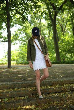 Atlantic-Pacific Blogger on her weekend walk in a bringing back a #clubmonaco favorite, our utility jacket.