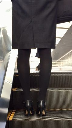Stockings Legs, Office Ladies, Black Tights, High Heel Pumps, Suits For Women, Leather Skirt, Mini Skirts, Feminine, Chic
