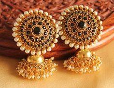 Head Jewelry, Jewelry Design Earrings, Gold Earrings Designs, Designer Earrings, Fashion Earrings, Gold Designs, Jewelry Accessories, Gold Jhumka Earrings, Paper Earrings