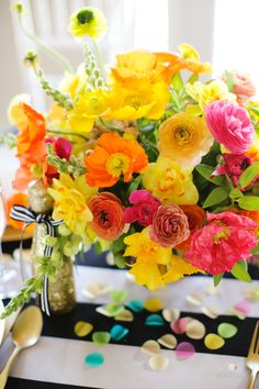 Bright, citrusy party flowers