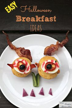 Prepare some spooky and fun Halloween breakfast that your kids will enjoy, here are some great ideas.