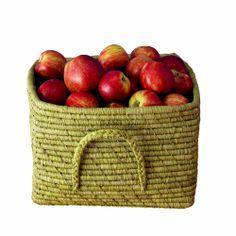 bastkörbe von rice. eine zauberhafte aufbewahrungsmöglichkeit im kinderzimmer. Plum, Apple, Fruit, Basket, Nice Asses, Apple Fruit, Apples