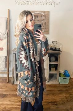Country Western Fashion, Country Chic Outfits, Southern Outfits, Country Western Dresses, Western Chic, Women's Western Clothing, Country Winter Outfits, Winter Teacher Outfits, Cowgirl Chic