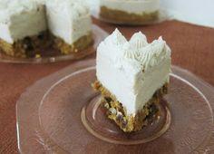 Fragrant Vanilla Cake: Mini Raw Carrot Cake Cheesecakes