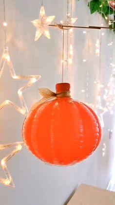 Lantern Crafts, Lantern Diy, Kids Lantern, Dyi Lanterns, Lantern Making, Empty Plastic Bottles, Diy Plastic Bottle, Plastic Bottle Flowers, Diy Crafts Hacks