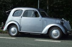 Fiat 500 delivered to Cheshire estate in 1939 goes under the hammer after clocking up just 1,593 miles in 77 years http://www.getreading.co.uk/news/motoring/motoring-news/fiat-500-delivered-cheshire-estate-11021958#ICID=sharebar_twitter #Fiat #Fiat500 #500 #enzari #cars #italia