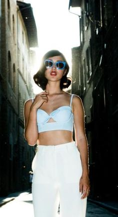 Nicole-Warne y su blog Garypeppergirl en la cima de la moda http://shar.es/1HjEh8 #Fashion Blogger #Moda #Fashion