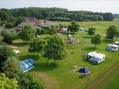 DINXPERLO, DE HEURNE, Minicamping De Mêbel, VEKABO, 15,50 euro, 6 amp. 25 toerplaatsen, Gemoedelijke boerderijcamping. Rustig gelegen aan de Heurne/ Kastelenfietsroute. Sanitair met vloerverwarming.(2011). Vrij uitzicht over de weilanden en ook beschutte plekken. Koeien, kalfjes, geiten en kippen in een weitje. Nog in werking zijnde boerderij.