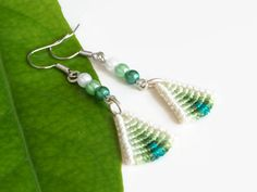 Delicate green triangle macrame earrings, knotted ombre fashion jewelry dangle earrings with beads, macrame jewelry from Kreativprodukte on Etsy. Micro Macramé, Macrame Jewelry, Knots, Dangle Earrings, Triangle, Dangles, My Etsy Shop, Fashion Jewelry, Delicate