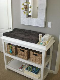 The best changing table organization ideas on baby change organisation . Changing Table Organization, Nursery Organization, Organization Ideas, Best Changing Table, Diy Bebe, Baby Furniture, Children Furniture, Rustic Furniture, Baby Boy Nurseries