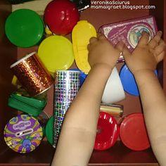 Мама играет, детки учатся...: ДЕТСКИЕ игрушки на МАМИНОЙ кухне, или развитие МОТОРИКИ у самых маленьких
